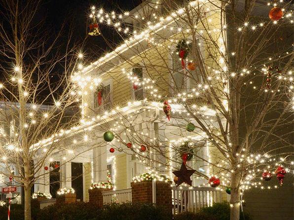100-LED Solar Christmas String Lights (White)