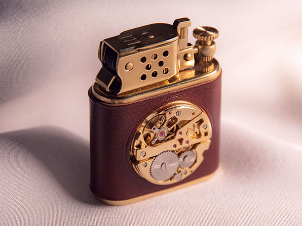 Brass Carved Flint Wheel Kerosene Lighter (Saddle Brown)