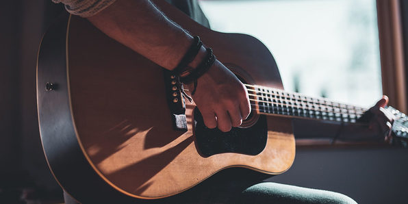 Ultimate Beginner Acoustic Guitar Masterclass - Product Image