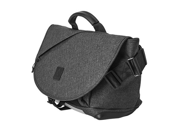 ALPAKA 7ven Messenger Bag
