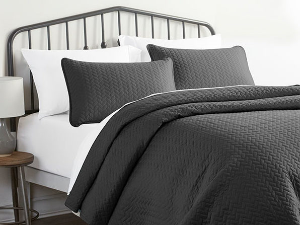 Home Collection Herring Pattern Quilted Coverlet 3-Piece Set