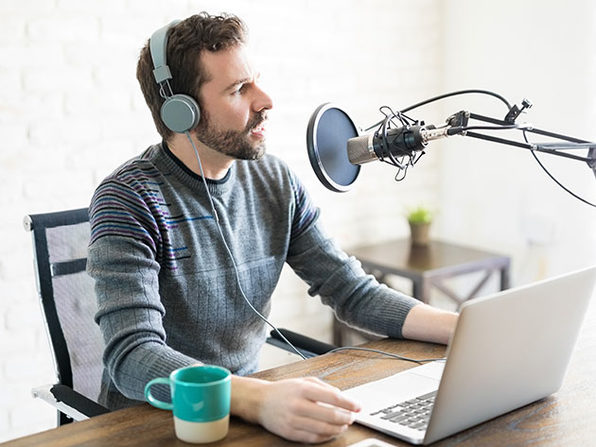 The Podcast Master Class: A Complete Guide to Podcasting