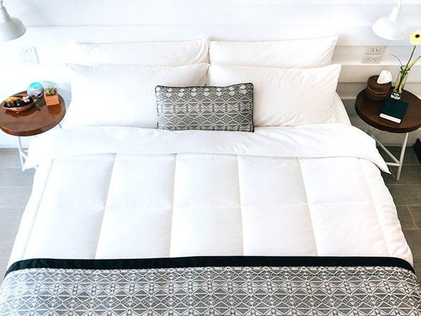 SöMN Kömforte Dual Zone Comforter (White)