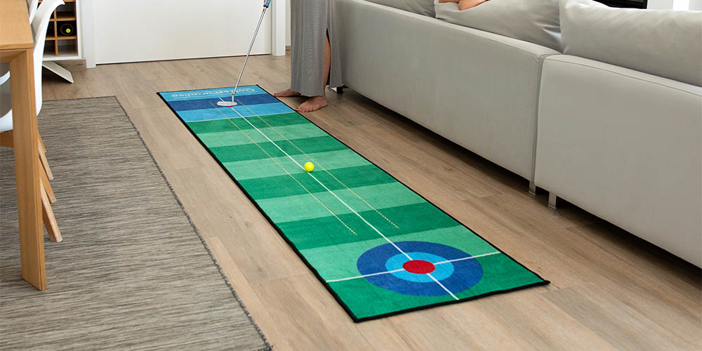 A indoor gold green with a blue target at the end