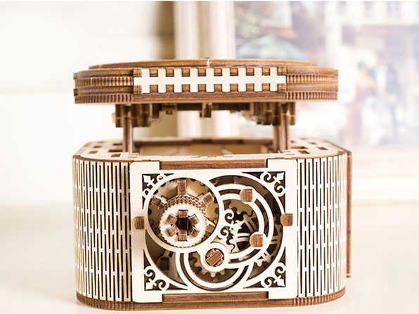 3D Wooden Mechanical Model Kit (Treasure Box)