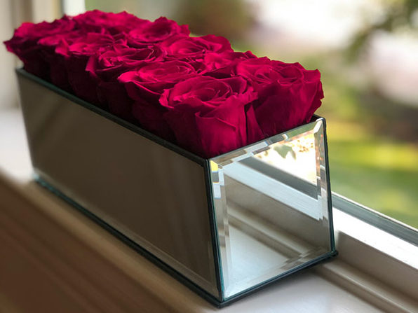 Rose Box™ Mirrored Table Centerpiece & 12 Everlasting Roses
