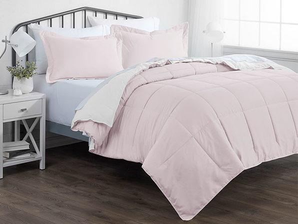 Down Alternative Reversible Comforter Set (Blush & White   Twin / Twin XL)