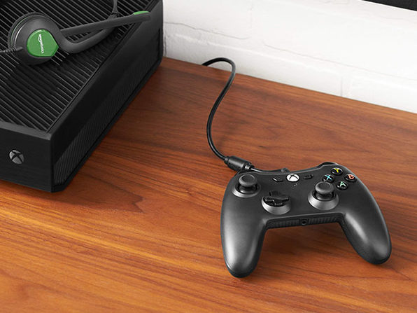 AmazonBasics Xbox One Wired Controller with 9.8' USB Cable