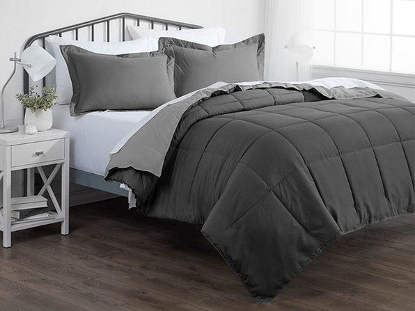 Down Alternative Reversible Comforter Set (Gray & Light Gray | King)