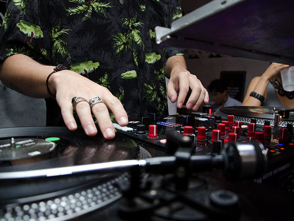 Learn to Be A DJ Course