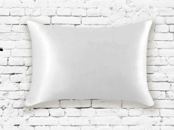 Silk Pillowcase in White - Product Image
