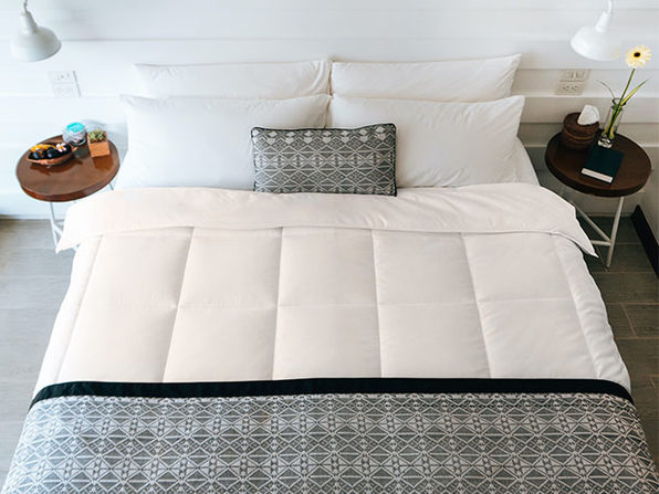SöMN Kömforte Dual Zone Comforter (Beige)