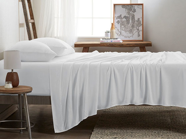 4-Piece Luxury 100% Rayon Bamboo Sheet Set // White (King)